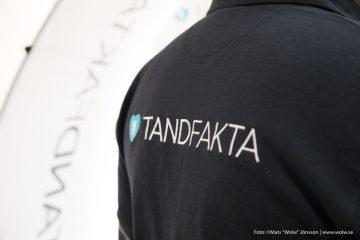 Bild på en tröja med Tandfaktalogga på